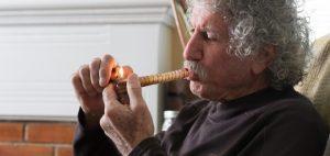 palenie-marihuany-przez-osoby-starsze-i-osoby-w-podeszlym-wieku